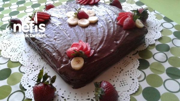 Meyveli Ve Kakaolu Pasta