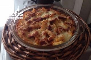 Fırında Kahvaltılık Sucuklu Patates Tarifi