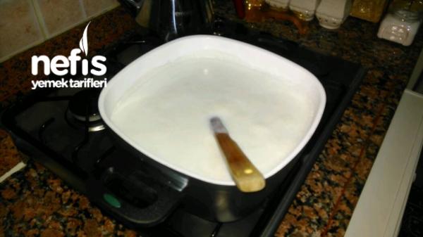 Karadutlu Tam Kıvamında Sütlaç