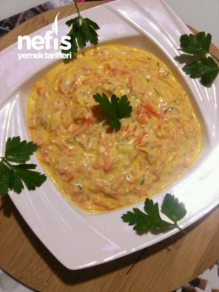 Yağurtlu Havuç Salatası Tarifi