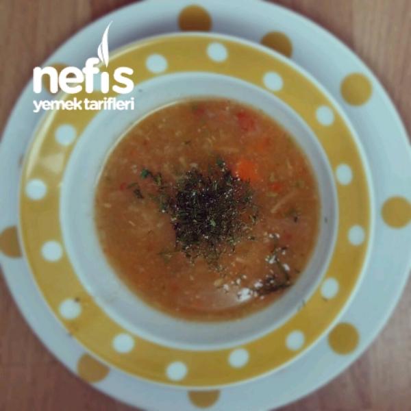 Sebzeli Şehriye Çorbası (8+ Ay)