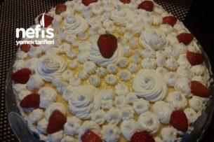 Çilek Kremalı Pasta ( Kapri Torta ) Tarifi