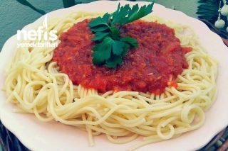 İtalyan Soslu Spagetti (Spaghetti Napoletana) Tarifi