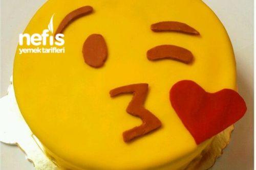 Gülen Emoji Pastasının Yapılışı