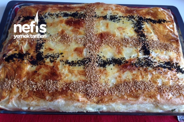 Su Böreği Tadında Sodalı Peynirli Börek Tarifi