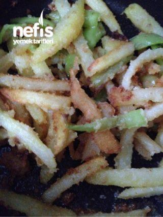 Çıtır Patatesler Ve Yanında Çıtır Biber