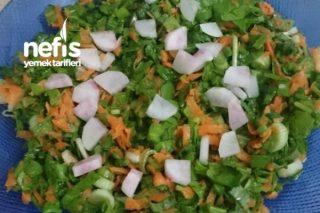 Yeşil Salata (Özellikle Balık Yanında) Tarifi