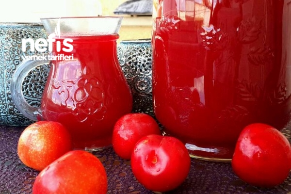Kırmızı Erik Kompostosu (Doğal Meyve Suyu) Tarifi