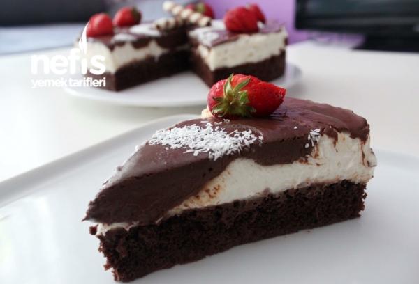 Ağlayan Pasta (farklı Krema Ve Çikolata Sosuyla)