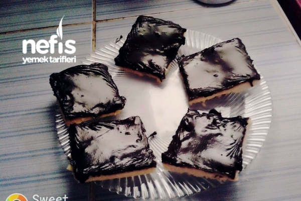 Çikolata Soslu Tatlı