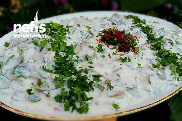 Tavuklu Cevizli Semizotu Salatası Tarifi
