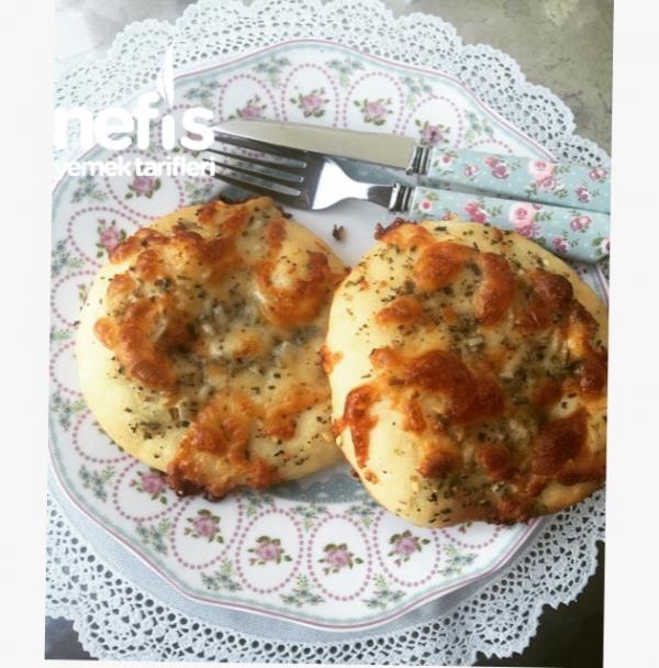Kaşarlı Sarımsaklı Ekmek ( İKEA)