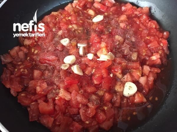 Köfteli Patlıcan Sarma (domates Soslu)