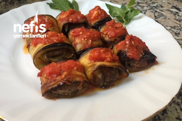 Köfteli Patlıcan Sarma (Domates Soslu) Tarifi