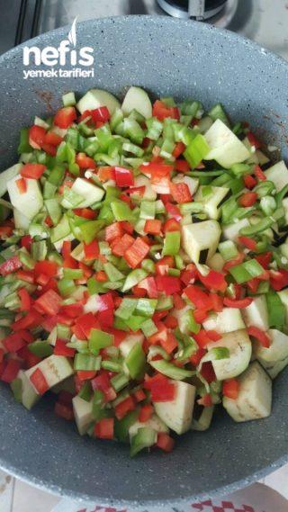 Tencerede Patlıcan Güveç aşçı Tarifi