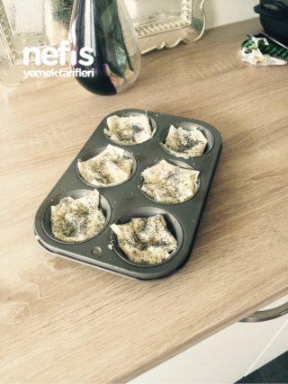 Muffin Kalibinda, Leziz Ve Az Malzemeli Börek