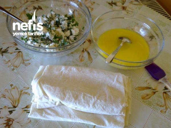 Peynirli Çıtır Üçgen Börek