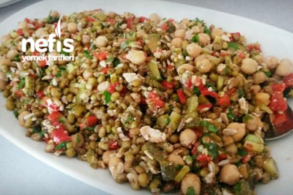 Zeytinyağlı Enerji Salatası