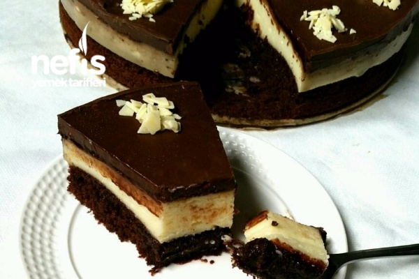 Çikolata Soslu Brownie İrmik Tatlısı