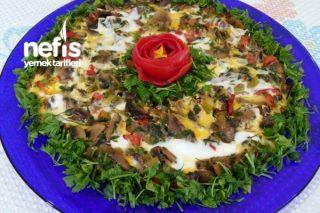 Kahvaltıya Nefis Sebzeli Mantarlı Omlet Tarifi