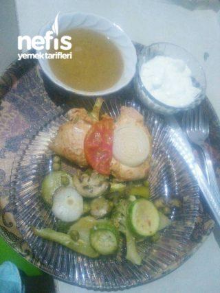 Fırında Sebze Eşliğinde Marine Edilmiş Tavuk Göğsü (yumuşacık Ve Sulu)