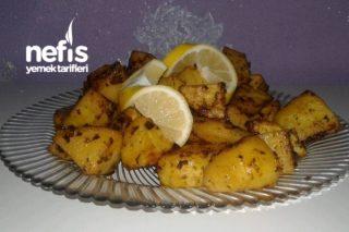 Her Yemeğe Yakışır Fırın Patates Tarifi