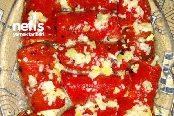Nefis Kırmızı Biber Sarması Tarifi