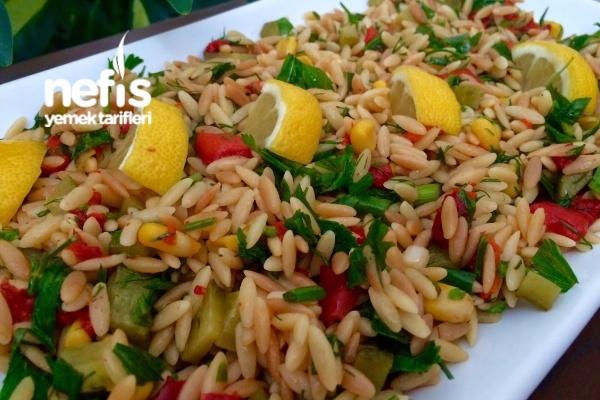 Kavrulmuş Şehriyeli Nefis Gün Salatası Tarifi