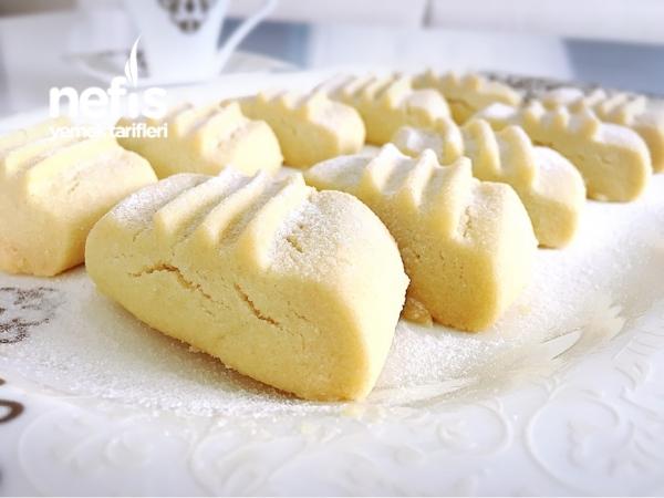 Pastane Usülü Un Kurabiyesi