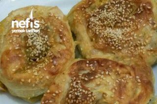 Sodalı Ispanaklı Gül Börek Tarifi