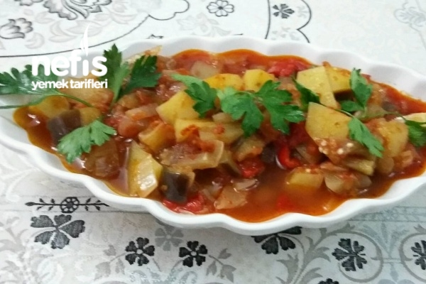 Zeytinyağlı Leziz Patatesli Patlıcanlı Sebze Yemeğim Tarifi