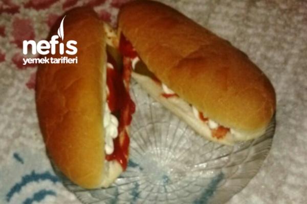 Kolay Sosisli Sandviç Tarifi