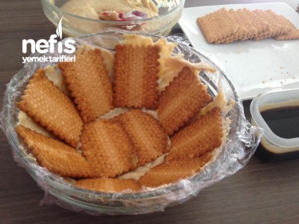 Bisküvili Tiramisu Köstebek Pasta