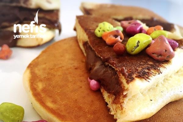 İçi Çikolatalı Pancake (Kahvaltılık) Tarifi