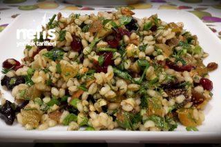 Kuru Meyveli Buğday Salatası Tarifi