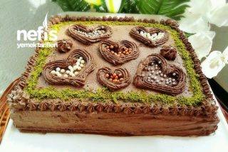 Bisküvi İle Çikolatalı Pratik Kare Pasta Tarifi