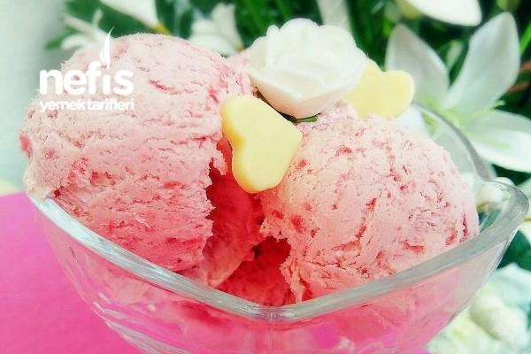 Çilekli Hakiki Dondurma Tarifi