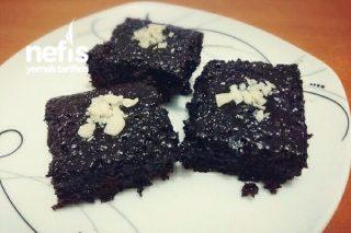 5 Dakikada Fındık Parçalı Brownie Tarifi