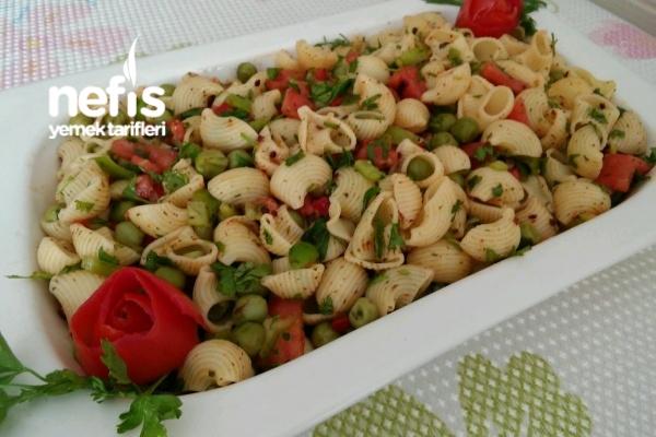 Bezelyeli Makarna Salatası