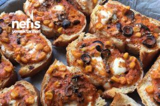 Bayat Ekmek Pizzası (Yalancı Pizza) Tarifi