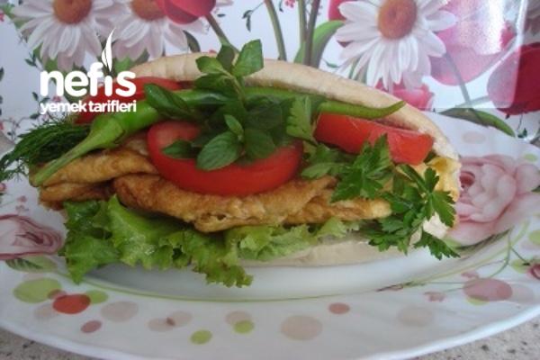 Ev Yapımı Kolay Omletli Sandviç Tarifi
