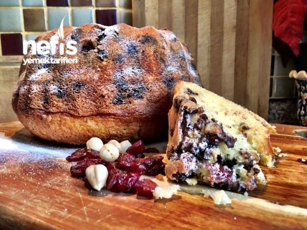 Yumuşacık Fındıklı Yaban Mersinli Puf Kek