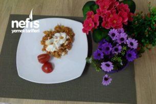 Sebzeli Kırmızı Pirinç Pilavı Tarifi