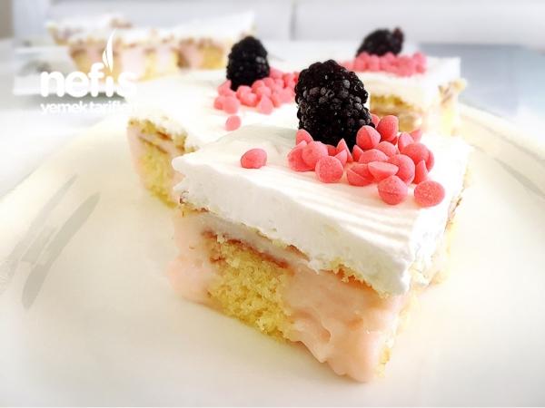 Çilekli Poke Kek