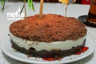 Kalan Keklerden Doğum Günü Pastası Tarifi