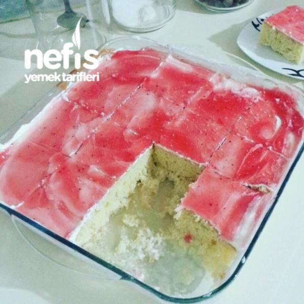 Vanilyalı-Meyveli Islak Kek