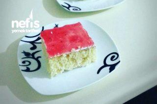 Vanilyalı-Meyveli Islak Kek Tarifi