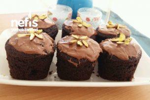 Porsiyonluk Sünger Kek (Bardakta Çikolata Soslu) Tarifi