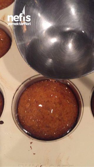 Muffin Kalibinda Porsiyonluk Revani