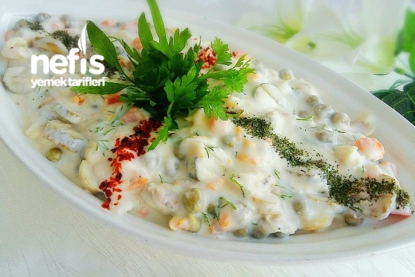 Tavuklu Garnitürlü Soğuk Salata (videolu) Tarifi